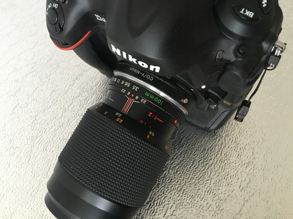 Contax Makroobjektiv mit Adapter an Nikon F